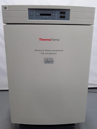 Thermo Forma Series II Water Jacketed CO2 Incubator Model 3110