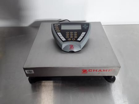 Ohaus Square Bench Scale CD-33