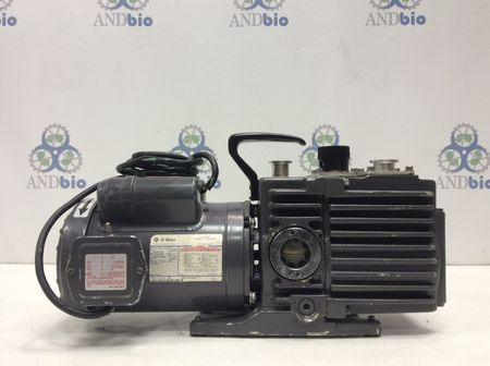 Fisher Scientific  - Maxima Rotary Vane Dual Stage Vacuum Pump D8A