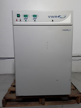 VWR 2300 Water Jacketed CO2 Incubator